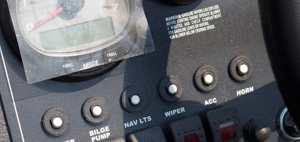 sjx-2170-jet-boat-controls-sjx-jet-boats